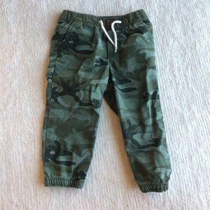 GAP Baby Boy Camo Green Jogger Pants 18-24